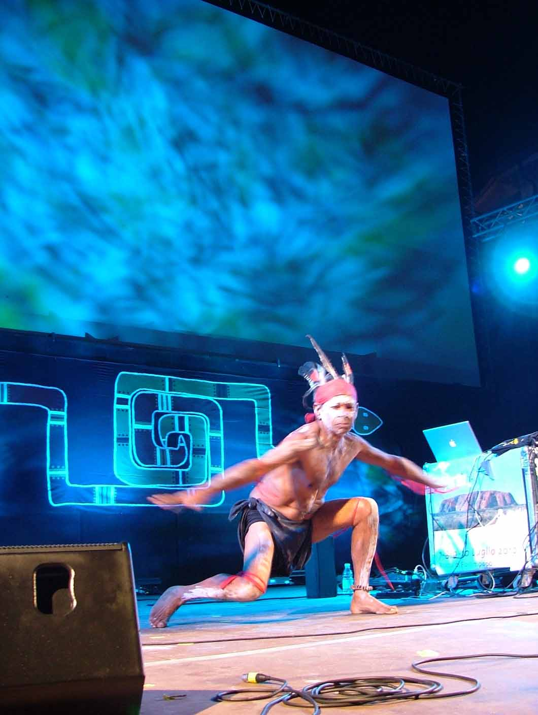 15_Bill_dancing_during_Ganga_Giri_performance