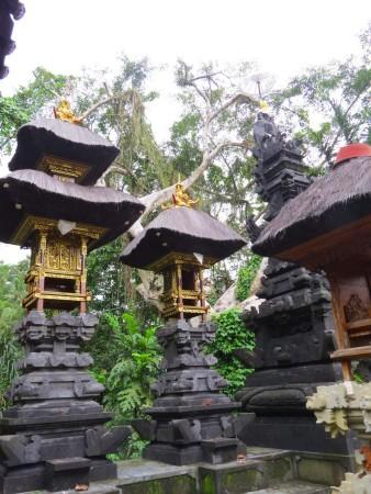 Nel tempio a metà montagna-www-winki.it