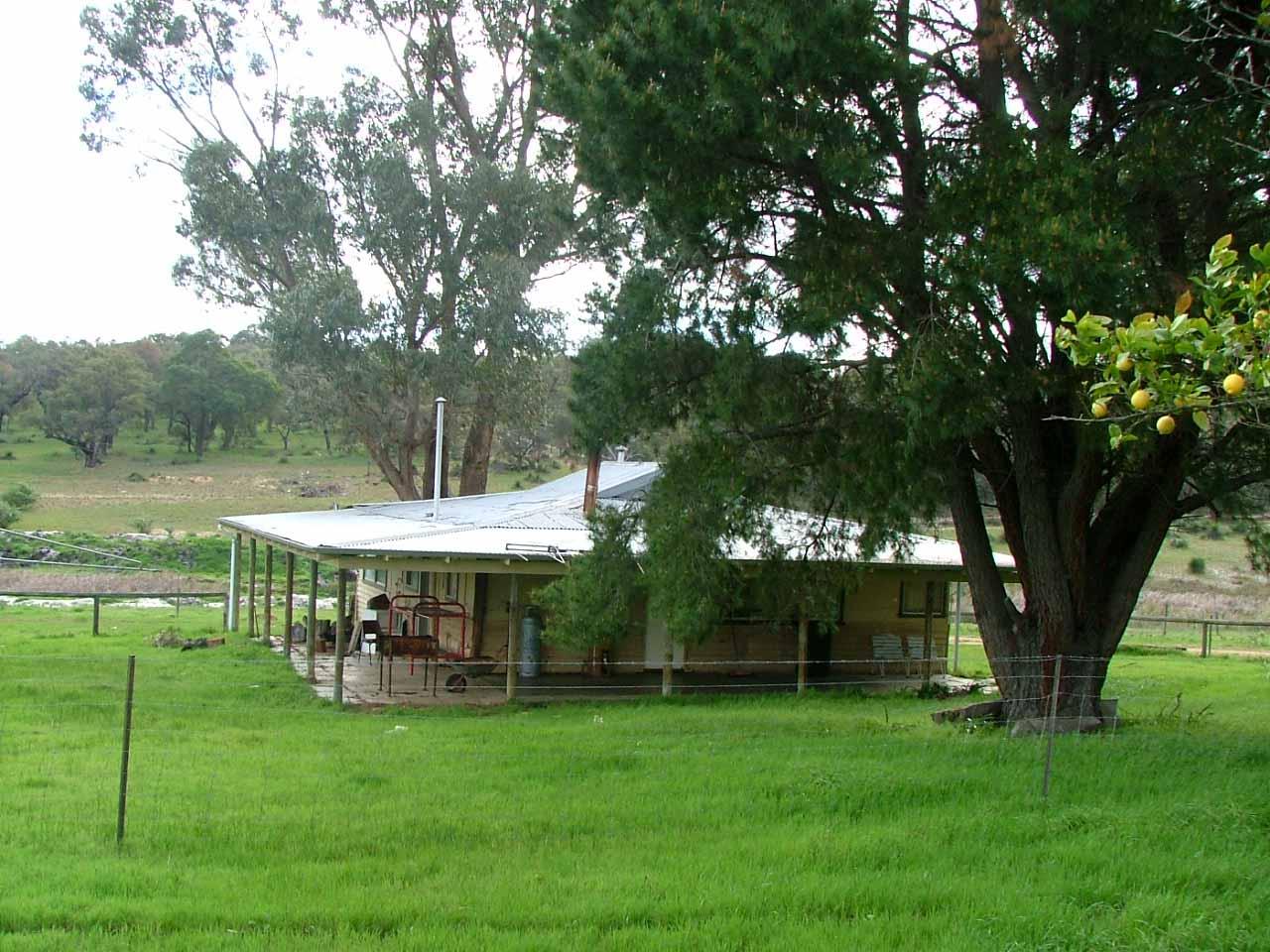 Sh_-_Il_nostro_rifugio_-_our_shelter