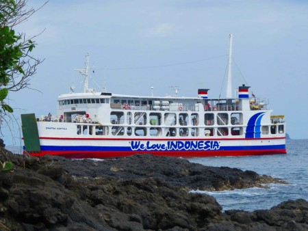 We love Indonesia-traghetto per Lombok-www.winki.it